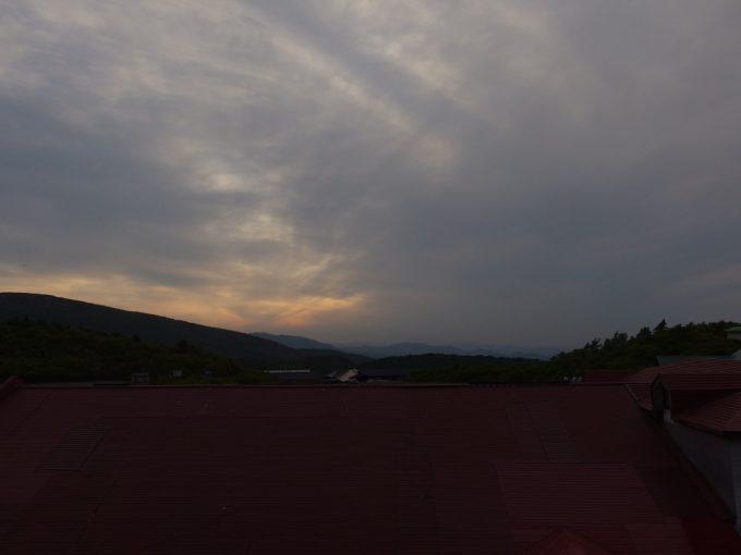 須川高原温泉夕暮れの空