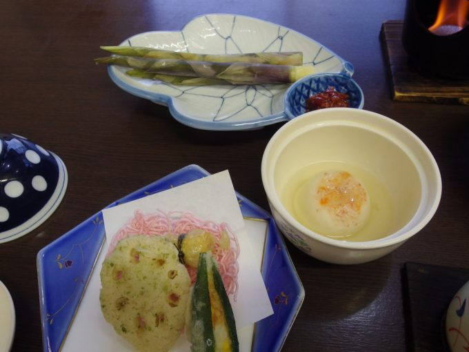 須川高原温泉揚げ物根曲がり竹かにまんじゅう