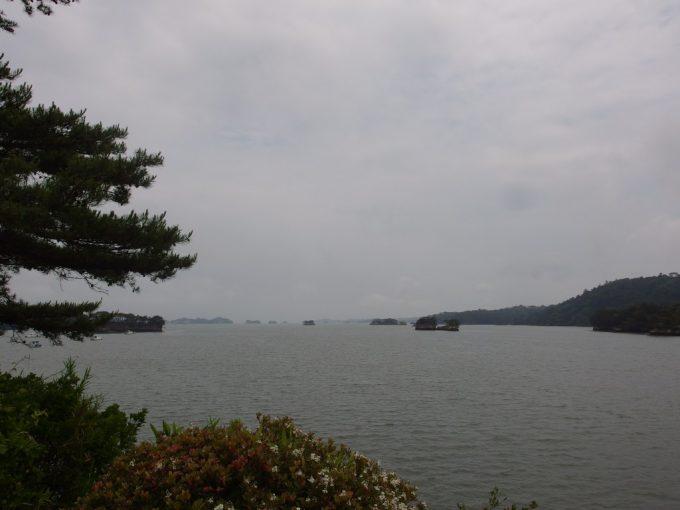 穏やかな日本三景松島湾
