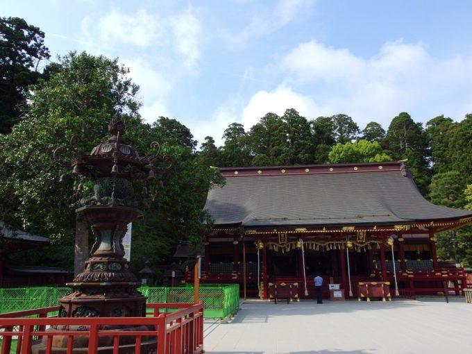 陸奥国一之宮東北鎮護鹽竈神社荘厳な朱塗りの拝殿