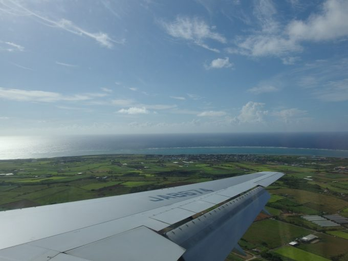 ANAB767はまもなく石垣空港に着陸、生まれて初めての沖縄上陸までもうすぐ
