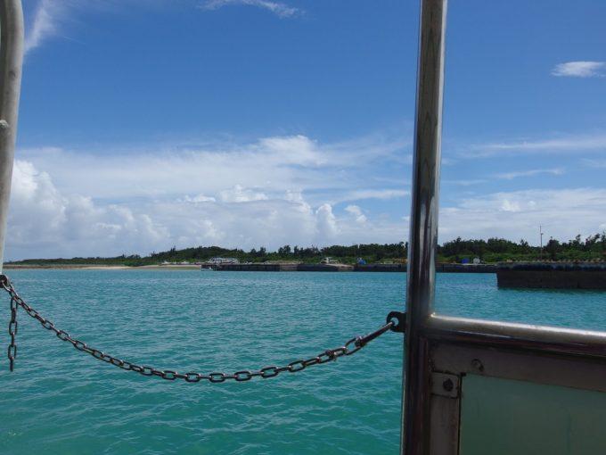 安栄観光の高速船で竹富島を発つ