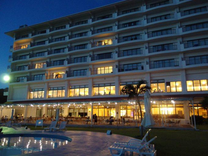 夕暮れの石垣シーサイドホテル