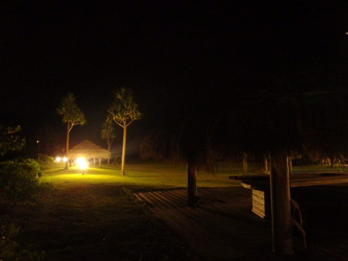 石垣シーサイドホテル夜の庭