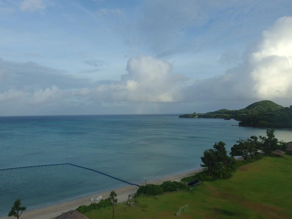 石垣シーサイドホテルから眺める朝の底地ビーチ