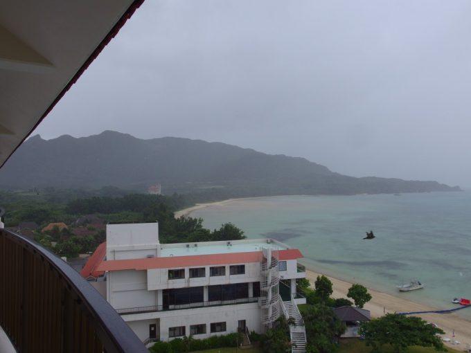 石垣島を濡らす雨