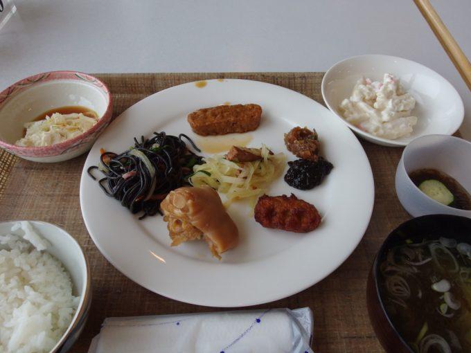 石垣シーサイドホテル豊富なメニューの朝食バイキング