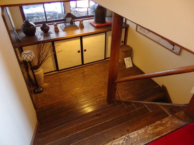 奥湯沢秘湯貝掛温泉趣ある階段