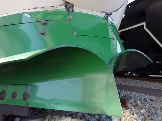 新津鉄道資料館200系の特徴的なスノープラウ