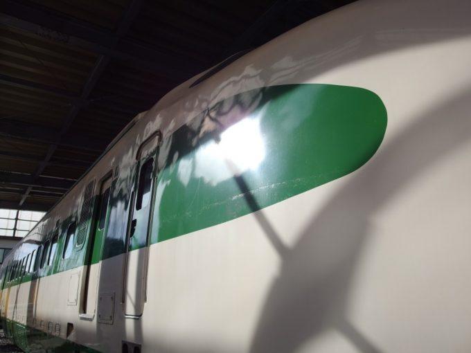 新津鉄道資料館200系の独特なラインカーブ