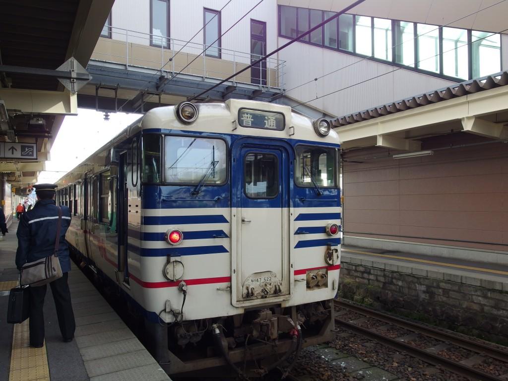 磐越西線キハ47新潟色