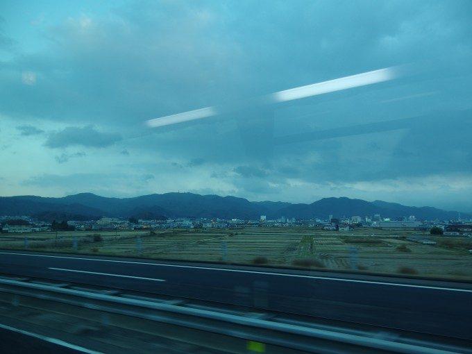 JRバス関東夢街道会津号車窓から別れを告げる会津盆地