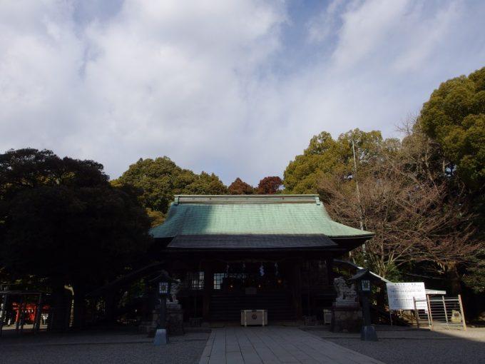 宇都宮二荒山神社本殿を守る鎮守の森