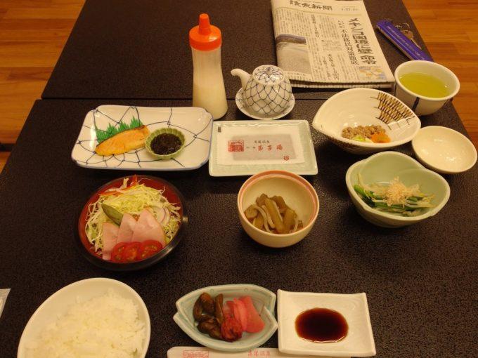 高湯温泉冬の旅館玉子連泊朝食