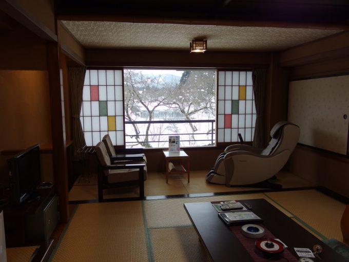 小野川温泉河鹿荘逍遥館マッサージチェアー付き客室