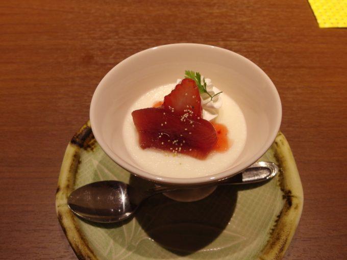 小野川温泉河鹿荘レアチーズりんごのワイン煮