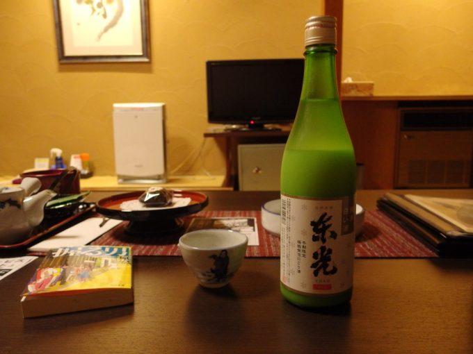 小野川温泉夜のお供に東光純米白い酒