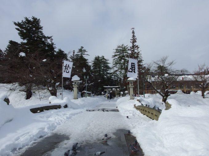 豪雪の米沢冬の米沢城跡上杉神社