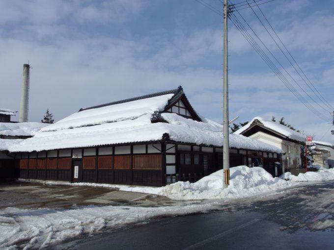 冬の米沢酒造資料館東光の酒蔵お土産コーナーで試飲と発送