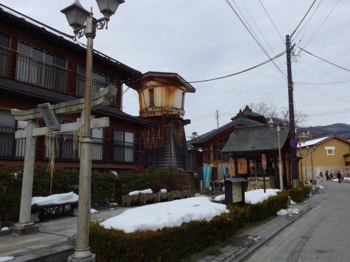 飯坂温泉発祥の地鯖湖神社