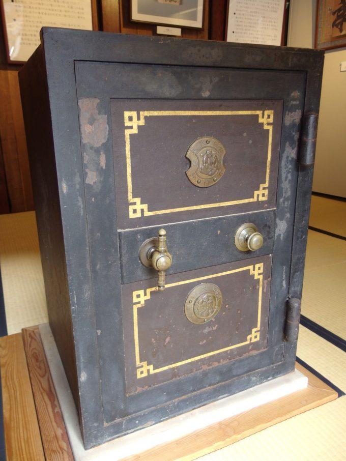 飯坂温泉旧堀切邸歴史を感じさせる立派な金庫