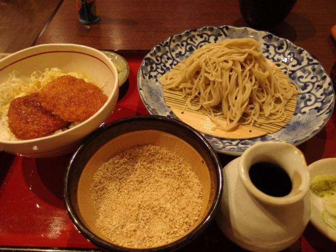 福島駅そば西口喜多屋ごませいろとソースかつ丼のセット