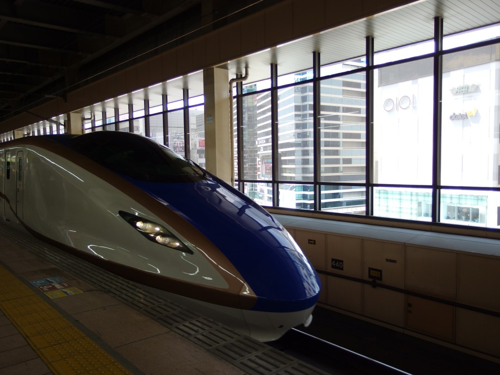 北陸新幹線E7系かがやき号