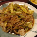 ミズと姫竹のおかか炒め煮・ハムねぎ味噌コーレーグースサラダ