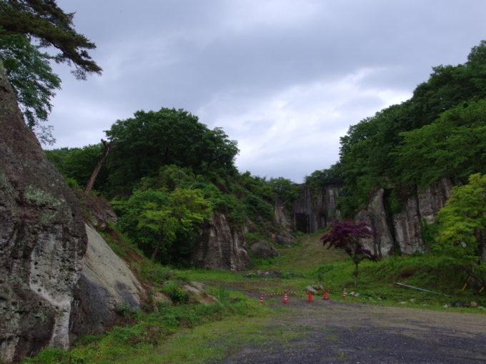 宇都宮大谷石採掘跡