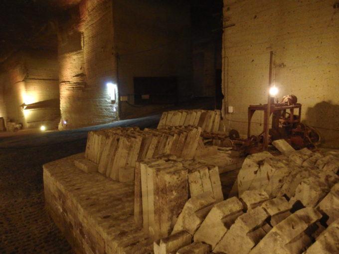 宇都宮大谷資料館に残された切り出された石材