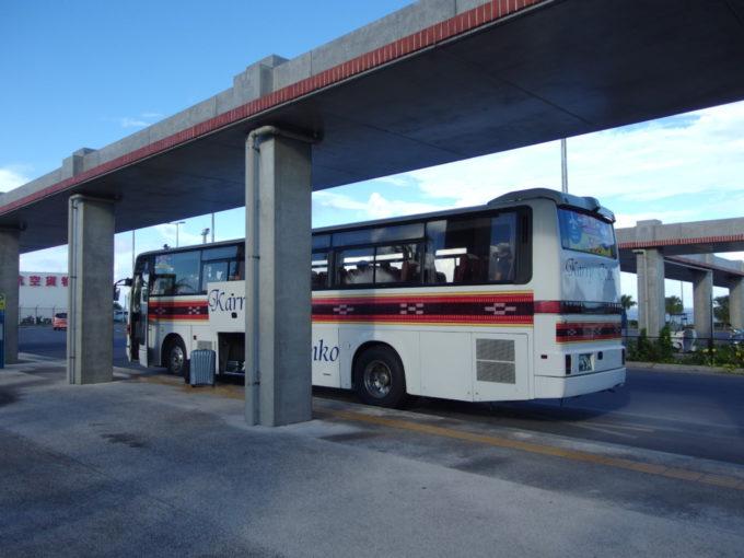 カリー観光石垣空港離島ターミナル直行バス