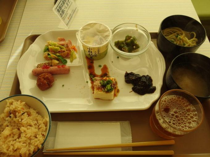 ベッセルホテル石垣島沖縄色豊かな無料朝食バイキング