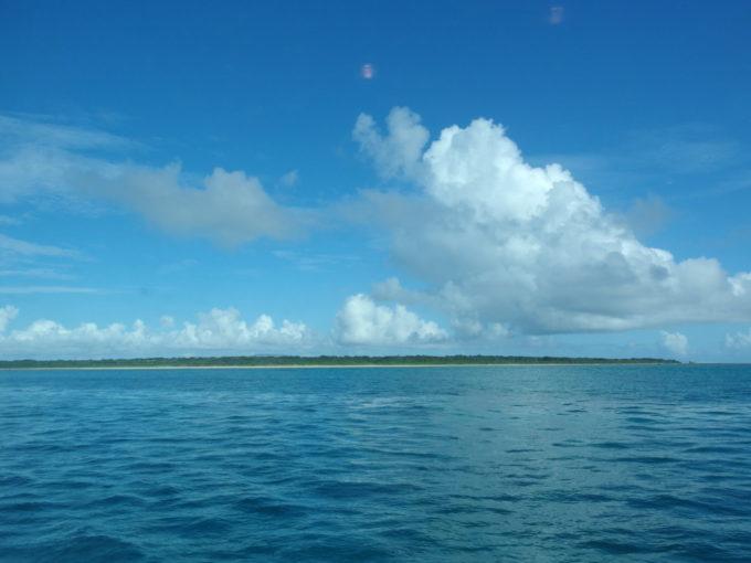 安栄観光西表島行き高速船から眺める竹富島