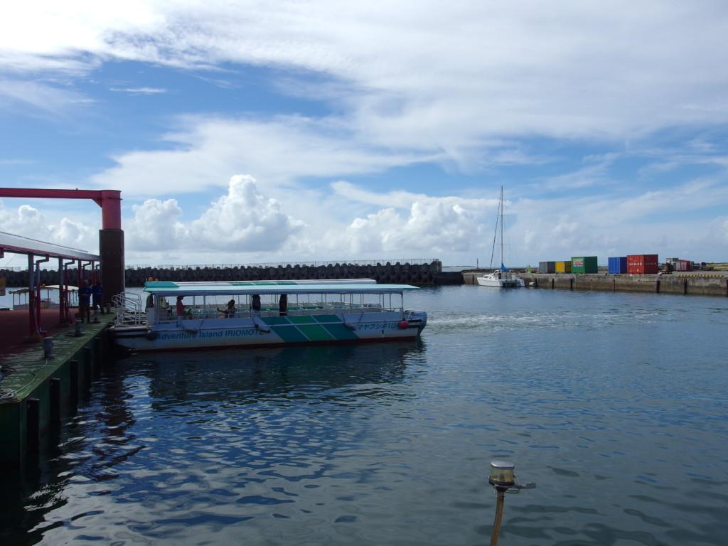 西表島仲間川マングローブクルーズ船