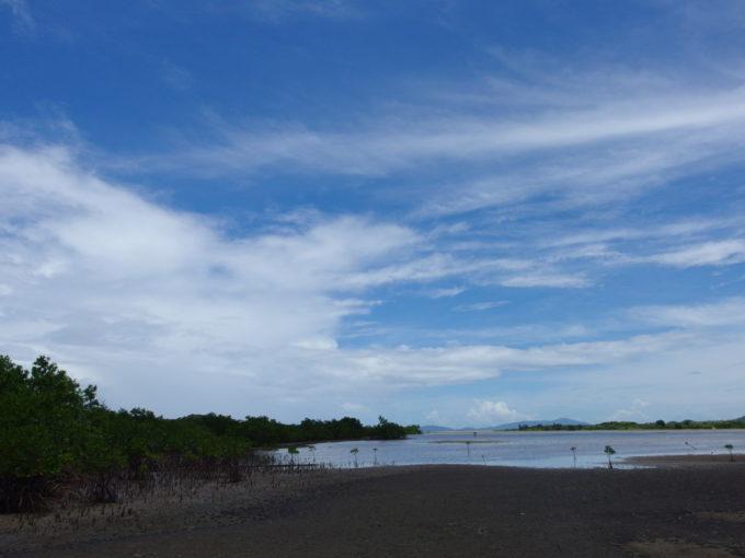 由布島水牛車のりば前に広がる海