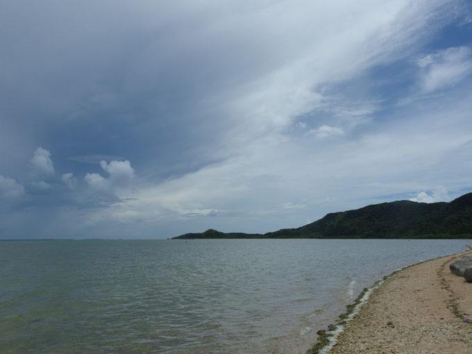 由布島マンタの浜の海