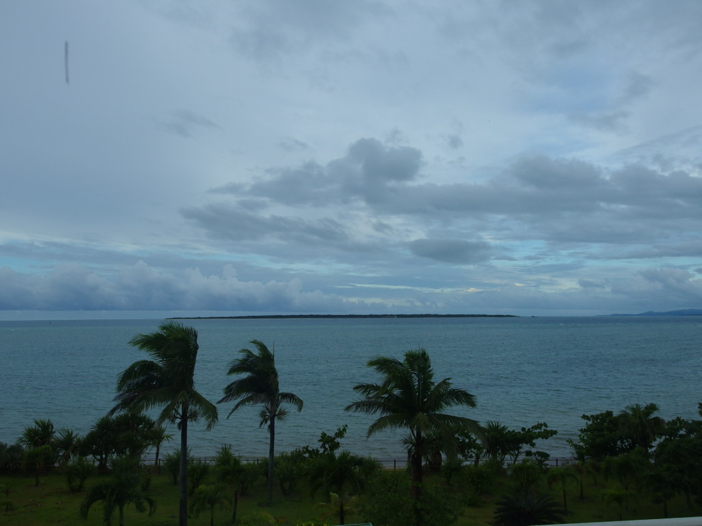 台風が去り雲が残る石垣島の空