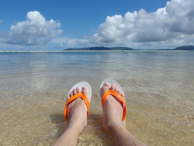 フサキビーチでのんびり海に浸かる