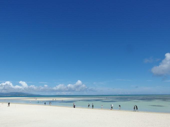 青と白に支配された竹富島コンドイビーチ