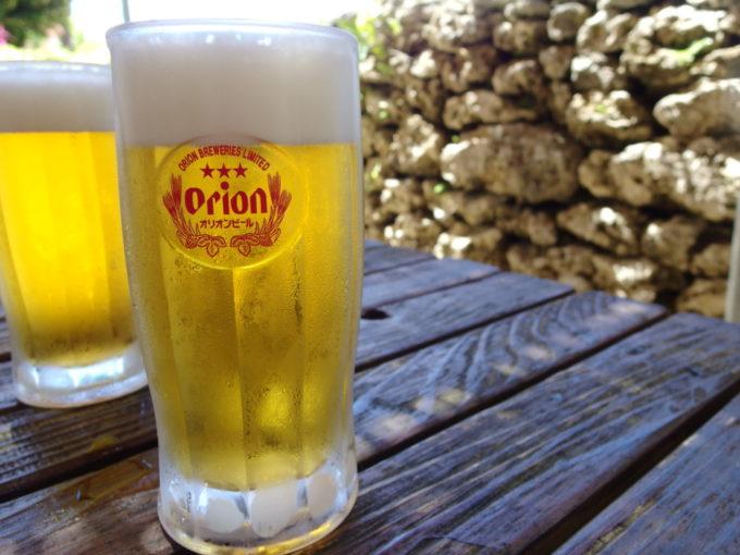 島風に吹かれて飲むオリオンビール