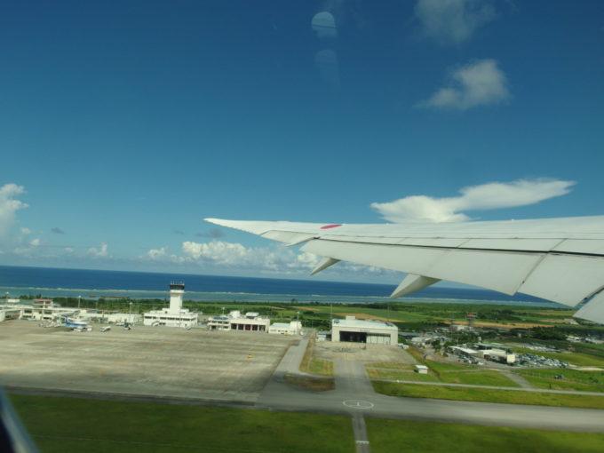 全日空787南ぬ島石垣空港を離陸し一路東京へ