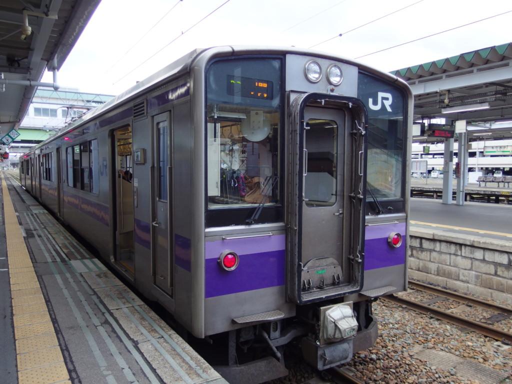 東北本線普通列車701系一ノ関行き上り列車