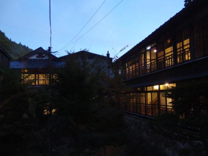 大沢温泉で迎える最後の夕暮れ