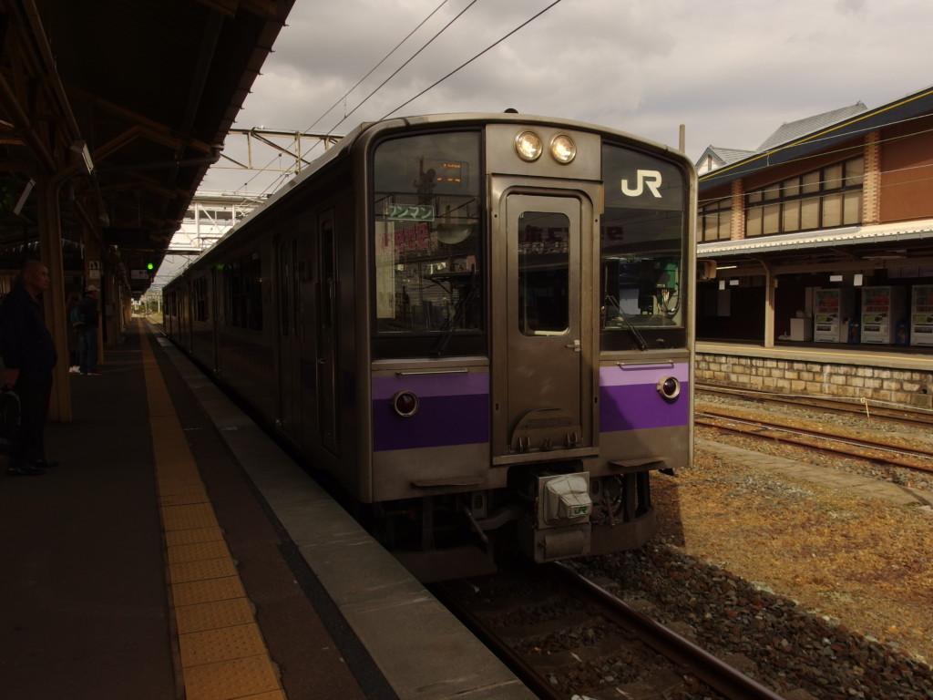 東北本線701系普通列車一ノ関行き