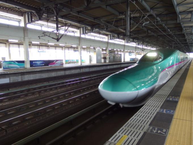 東北新幹線E5系やまびこ号