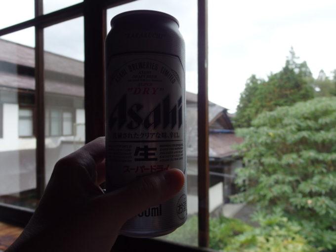 東鳴子温泉郷黒湯高友旅館熱いもみじ風呂の湯上がりに飲む冷たいビール