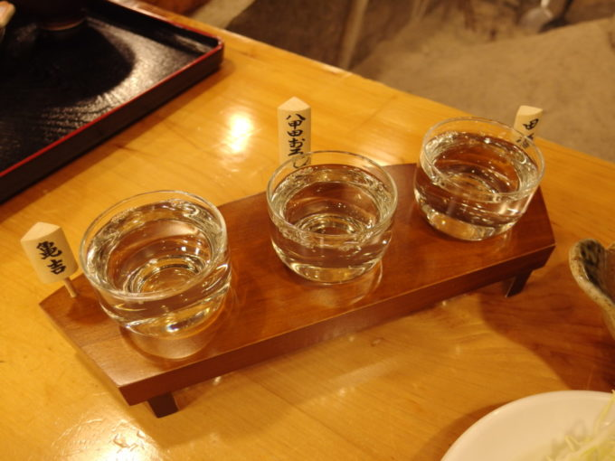 酸ヶ湯夕食に地酒三種飲み比べ