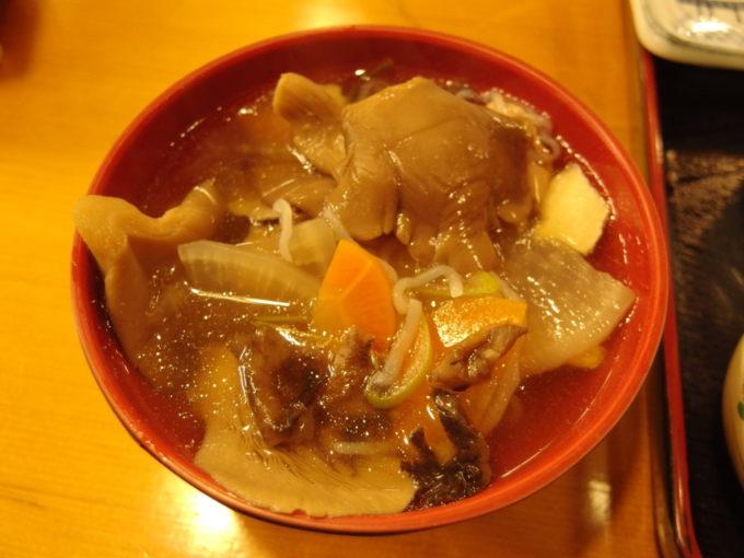 酸ヶ湯温泉旅館自炊部夕食たっぷりきのこのせんべい汁