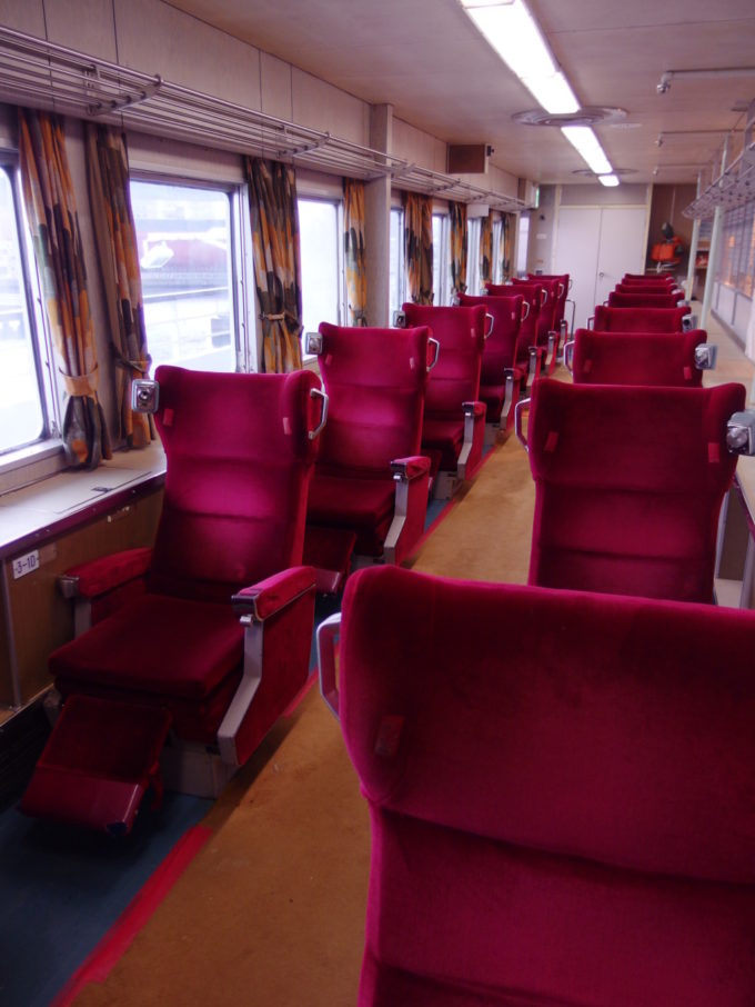 青函連絡船メモリアルシップ八甲田丸グリーン船室指定席が残る一画