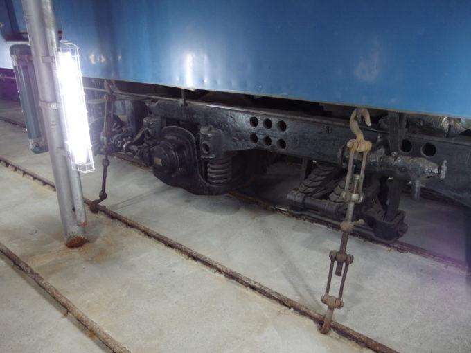 青函連絡船メモリアルシップ八甲田丸車両を繋ぐ緊締具